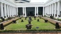 Di masa pemberlakuan PSBB ketat oleh Pemprov DKI Jakarta, Museum Nasional Indonesia ditutup selama beberapa pekan.
