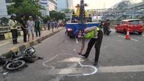 Truk Muatan Hebel Alami Kecelakaan di Jl MT Haryono, Pemotor Tewas Tertimpa
