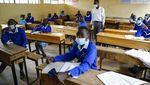 Potret Antusias Siswa Kenya Kembali ke Sekolah