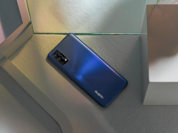 Realme 7 Pro dan Realme C17
