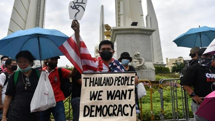 Ribuan Demonstran berkumpul di Bangkok, Thailand (AFP Photo)