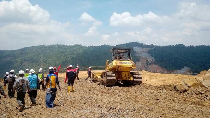 Tim Kemenko Marves mengecek proyek Bendungan Bener di Purworejo