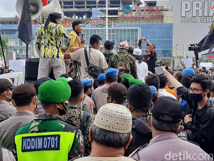 Demo tolak Omnibus Law Cipta Kerja di Banyumas, Kamis (15/10/2020).