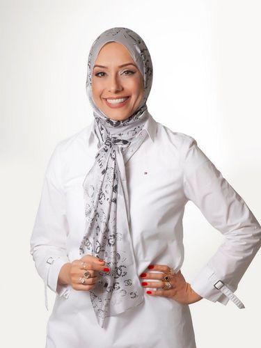 Fatima Hussein yang menjadi wanita muslim pertama di pemilihan dewan Brasil