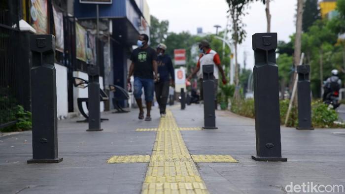 Revitalisasi trotoar di Cikini yang dilakukan beberapa waktu lalu menarik perhatian masyarakat. Seperti apa kondisi trotoar di Cikini saat ini?