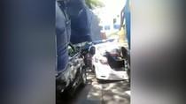 Mobil PJR Ringsek Terjepit di Antara 2 Truk, Begini Penjelasannya