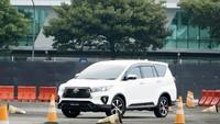 Avanza Tergusur Lagi, Kini Innova Jadi Mobil Terlaris di Indonesia