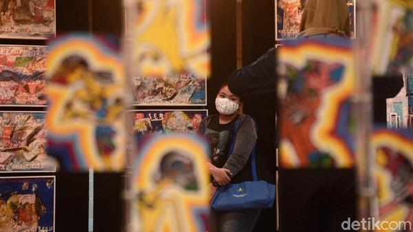 Karya lukis yang dipamerkan adalah karya hasil para seniman di masa pandemi.