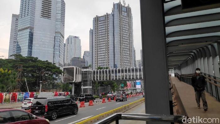 International Monetary Fund (IMF) ramal pertumbuhan ekonomi Indonesia akan minus 1,5% pada tahun ini. Kondisi itu terjadi salah satunya akibat pandemi COVID-19.