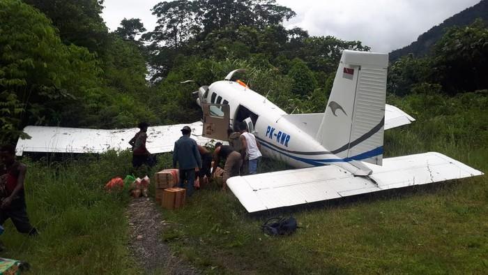 Pesawat perintis Tariku Aviation, tergelincir di Bandara Bayabiru, Kabupaten Paniai, Papua.