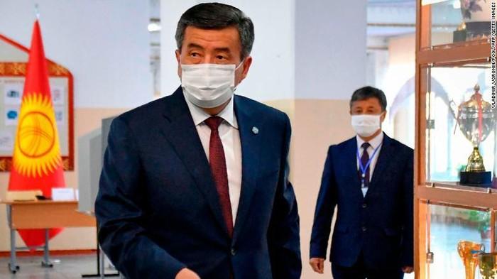 Presiden Kyrgyzstan Sooronbay Jeenbekov (CNN)