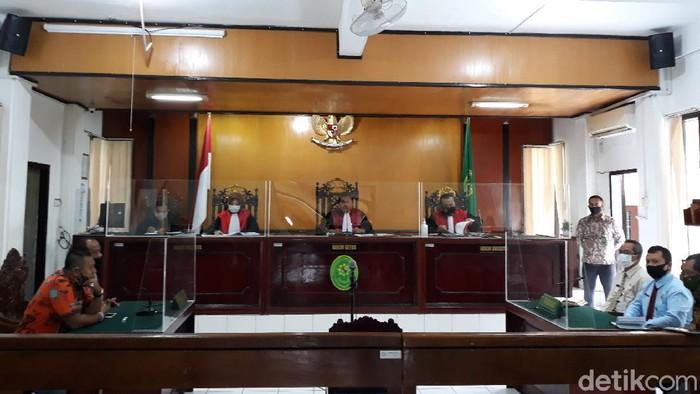 Sidang putusan gugatan dana hibah Persiba di PN Bantul, Kamis (15/10/2020).