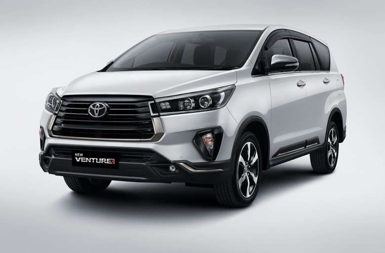Toyota New Venturer