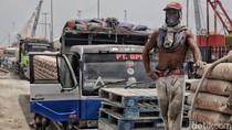 Aktivitas Buruh Kasar di Tengah Polemik UU Cipta Kerja