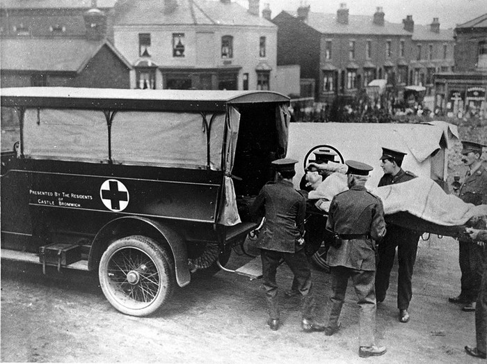Ambulans di Perang Dunia I (Creative Commons/CC BY 4.0/Wellcome Collection)