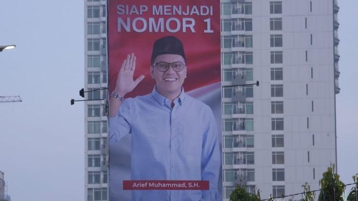 Billboard Arief Muhammad