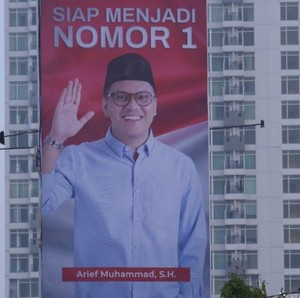 Arief Muhammad Pasang Baliho Bergaya Bak Capres, Ternyata Jadi Bos Fashion