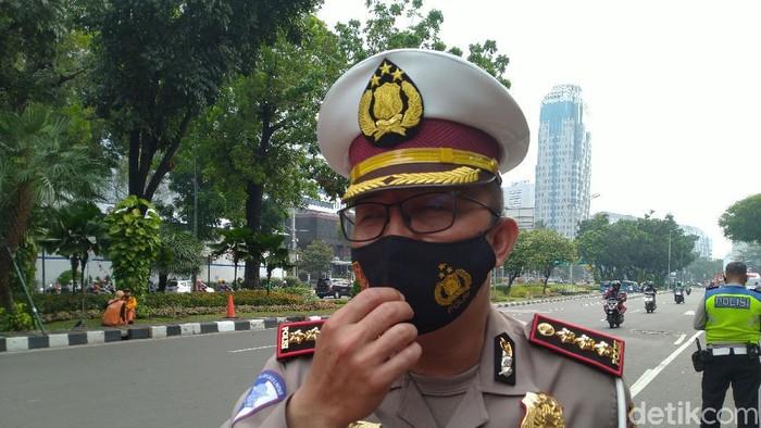 Dirlantas Polda Metro Jaya Kombes Sambodo Purnomo Yogo menyisir Jalan Medan Merdeka Selatan (Sachril Agustin/detikcom)