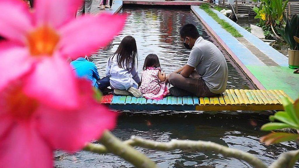 Dulu Penuh Sampah, Sungai di Kampung Ini Disulap Jadi Habitat Ikan Berair Jernih