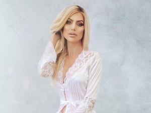 Ibu-ibu Ini Jadi Model Playboy, Punya Anak 4 Tapi Body Seksi