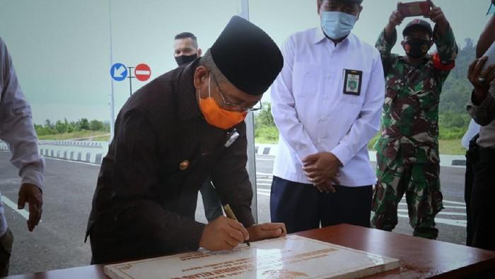 Resmikan Akses Jalan Pelabuhan, Gubernur Sulbar Harap Tingkatkan Perekonomian