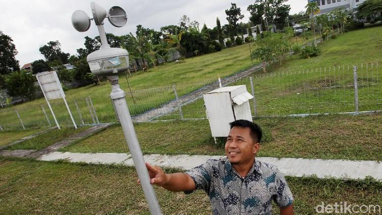 Stasiun Klimatologi Yogyakarta terus melakukan pemantauan cuaca dan iklim. Ini dia peralatan yang digunakan untuk melakukan pemantauan cuaca dan iklim.