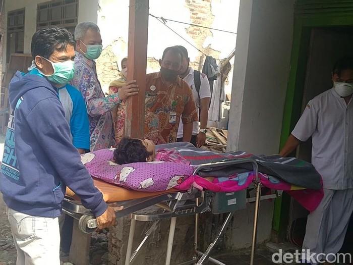Neiha gadis penderita kanker kelenjar getah bening di Batang, Jumat (16/10/2020).