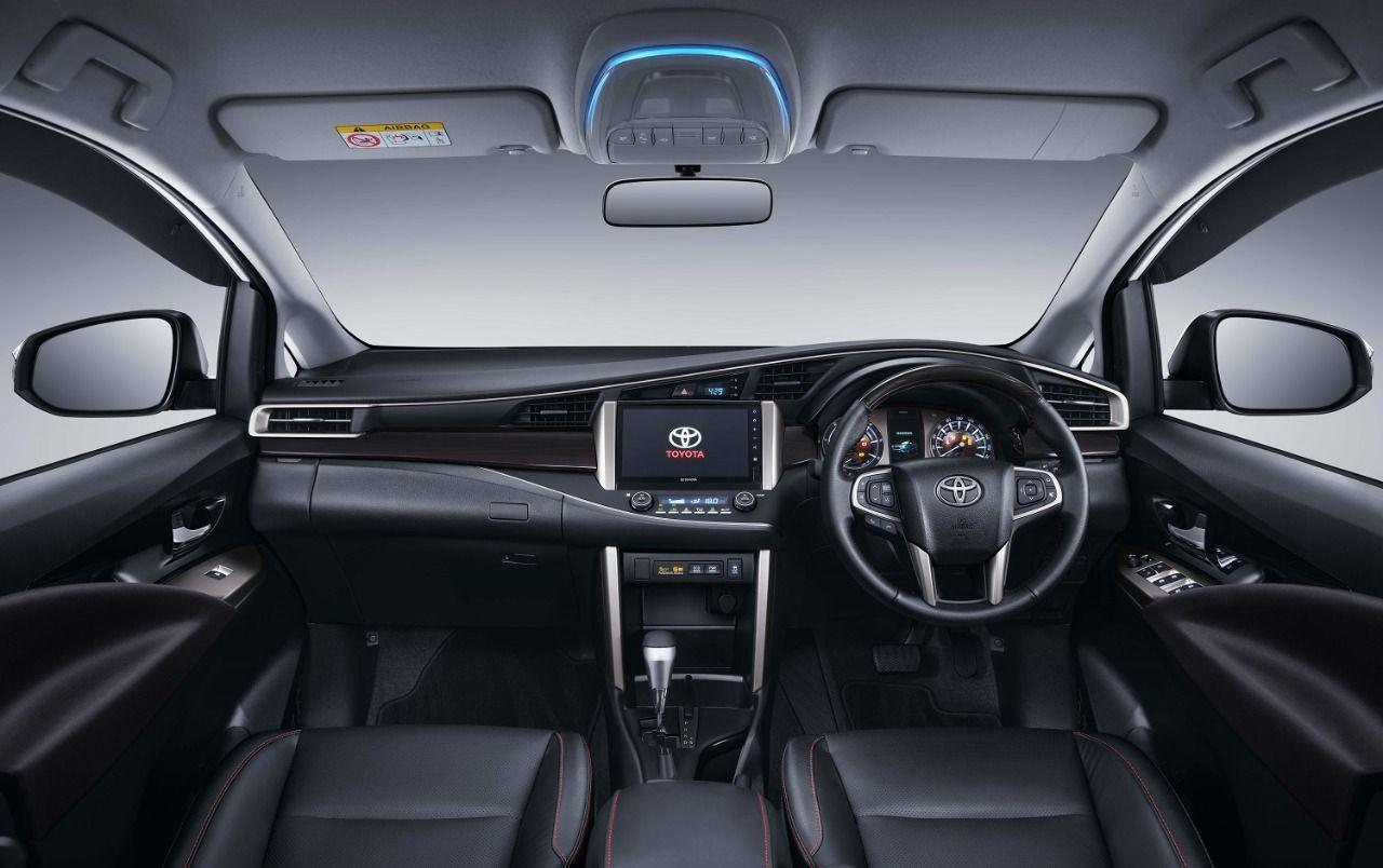 Toyota New Kijang Innova dan New Fortuner