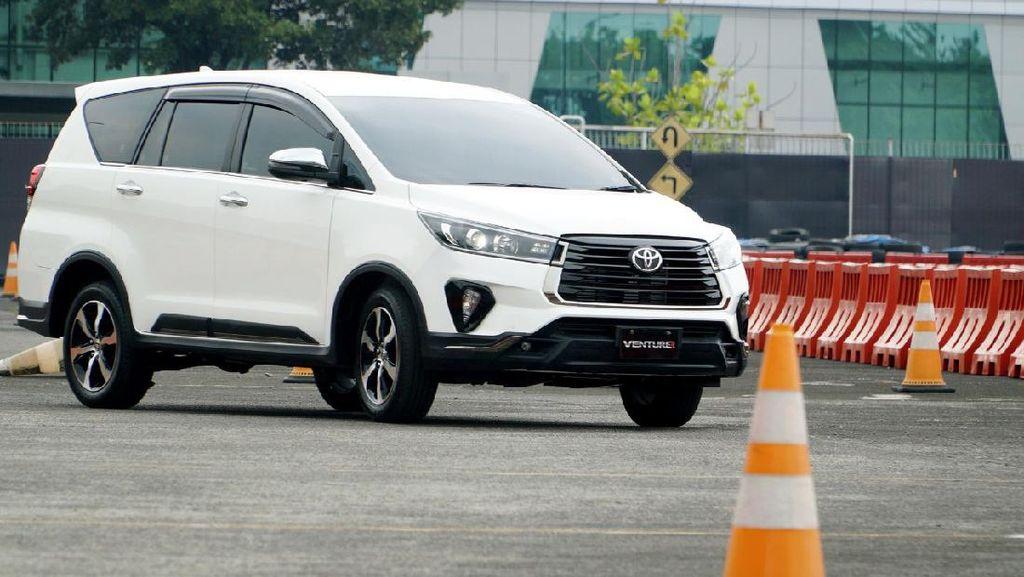 Toyota Innova Dites Tabrak, Bagaimana Hasilnya?
