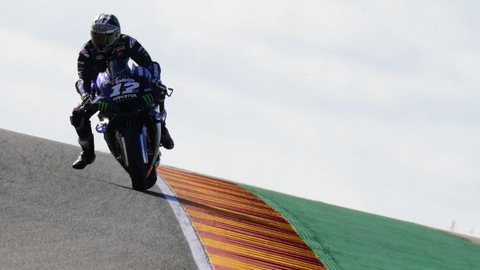 Monster Energy Yamaha Spanish rider Maverick Vinales rides during the first MotoGP free practice session of the Moto Grand Prix of Aragon at the Motorland circuit in Alcaniz on October 16, 2020. (Photo by JOSE JORDAN / AFP)