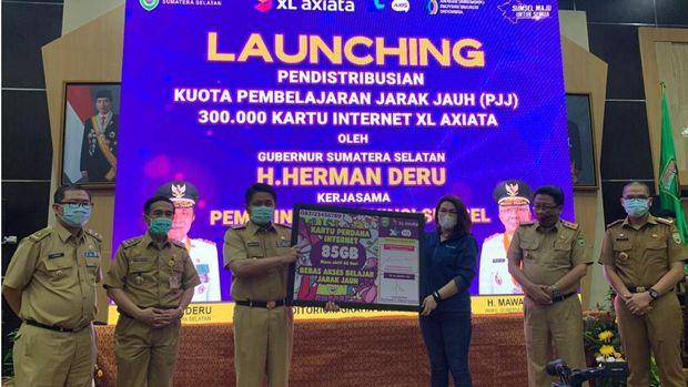 XL kembali menyalurkan bantuan kuota internet gratis untuk pelajar setingkat SMP dan SMA di Sumatera Selatan sebanyak 300 ribu paket dan untuk pelajar madrasah di Jambi sebanyak 50 ribu paket.