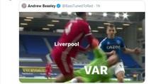 Meme VAR Gagalkan Kemenangan Liverpool di Derby Merseyside