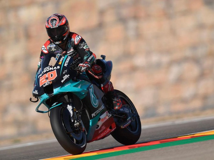 ALCANIZ, SPAIN - OCTOBER 16: Fabio Quartararo of France and Petronas Yamaha SRT   heads down a straight during the free practice for the MotoGP of Aragon at Motorland Aragon Circuit on October 16, 2020 in Alcaniz, Spain. (Photo by Mirco Lazzari gp/Getty Images)
