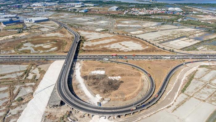 Menjelang akhir tahun 2020, PT Hutama Karya (Persero) (Hutama Karya) kembali menggarap salah satu proyek simpang susun pada ruas tol Surabaya – Gresik.