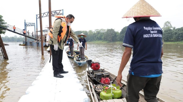 Nelayan di Musi Banyuasin mendapat konverter kit BBM ke BBG