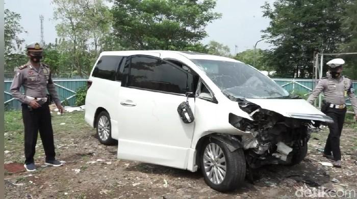 Ahmad Hanafi Rais menjadi korban kecelakaan beruntun di Tol Cipali