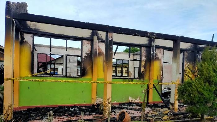 Kebakaran Landa SMPN I Rambah Rohul Riau, 13 Ruangan Ludes