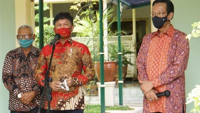 Menkominfo Johnny G Plate bersama Gubernur DI Yogyakarta Sri Sultan Hamengkubuwono X