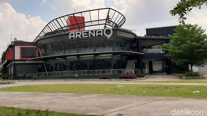 Insiden baku hantam antar pengunjung klub malam terjadi di Arena 9, Kota Palembang, Minggu (18/10/2020) dinihari.