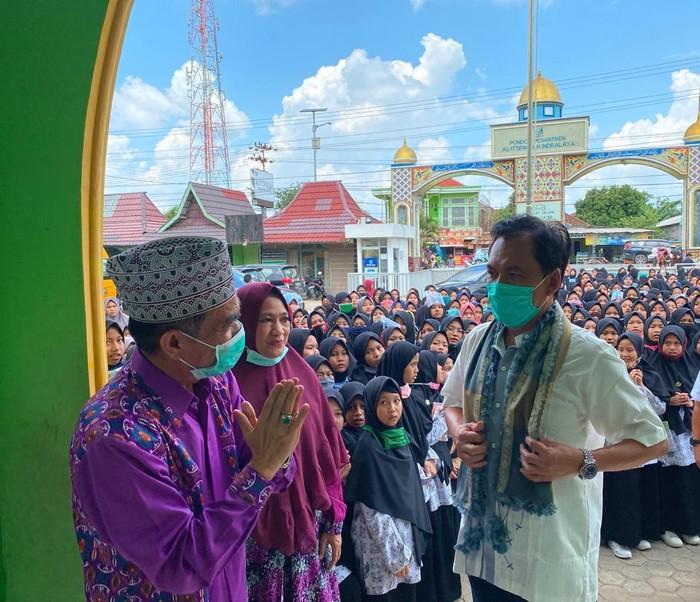 Tim BPH Migas mengunjungi Pondok Pesantren (Ponpes) Al Ittifaqiah, Indralaya Mulia, Kecamatan Indralaya, Kabupaten Ogan Ilir, Sumatera Selatan.