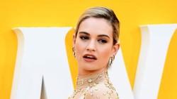 8 Fakta Lily James, Aktris yang Jadi Heboh Setelah Ciuman dengan Pria Beristri