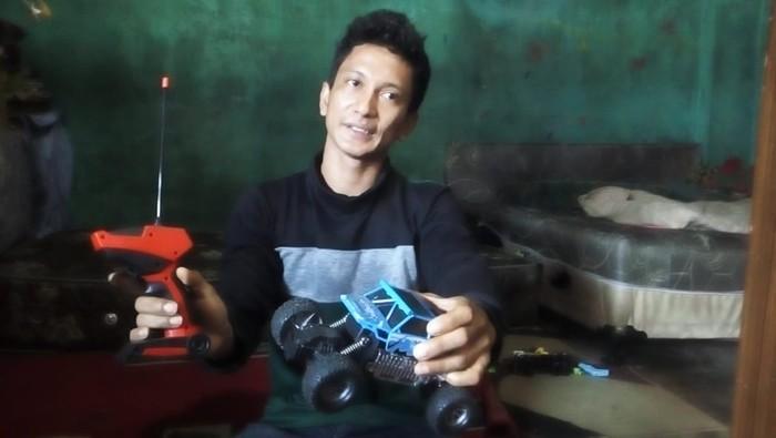 Ayah kandung Rangga, Fadly, saat ditemui di Medan (Datuk-detikcom)