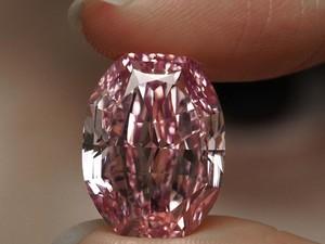 Berlian Terlangka di Dunia Dilelang, Harga Capai Rp 530 Miliar