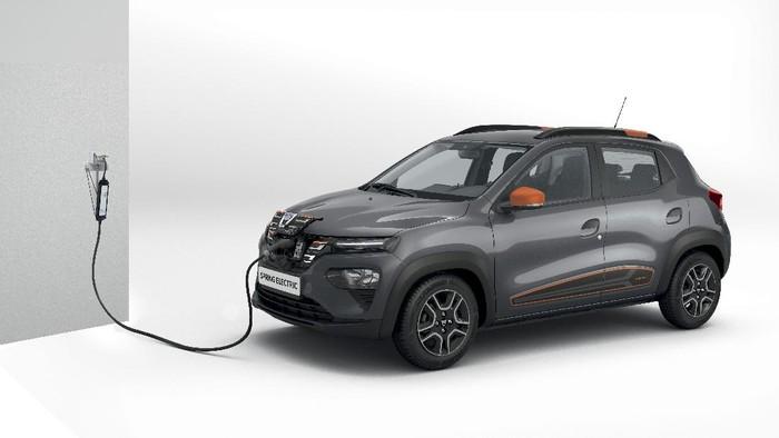 Dacia Spring Electric merupakan mobil kembaran versi listrik dari Renault Kwid.