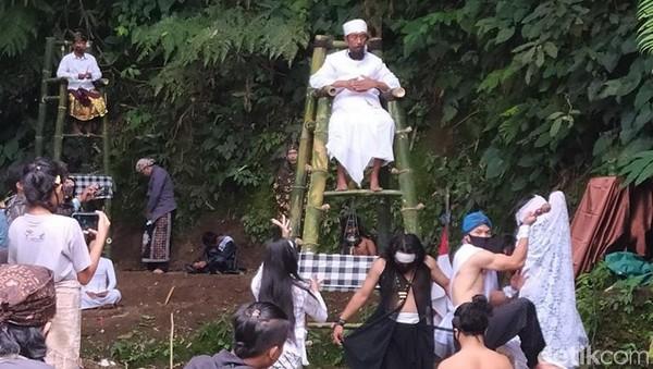 Untuk FLG ke-19 episode ke-8 dilangsungkan di lokasi penemuan bebatuan candi di Dusun Windusabrang, Desa Wonolelo, Kecamatan Sawangan, Kabupaten Magelang, Jawa Tengah.