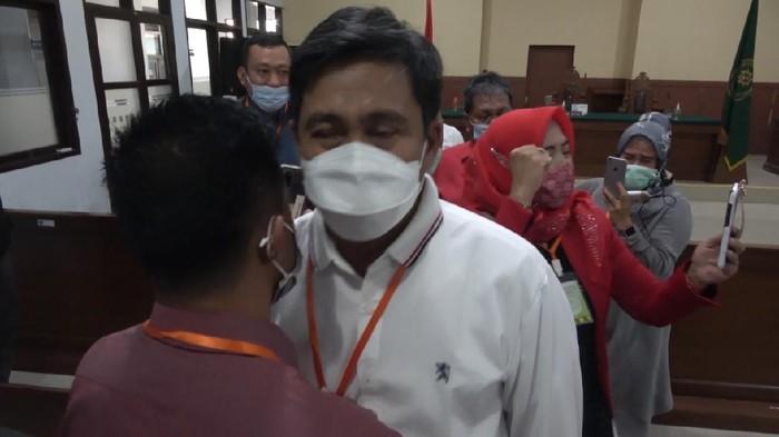 Gugatan Herwin-Mustar dikabulkan PTTUN Makassar (Foto: Reinhar/detikcom)
