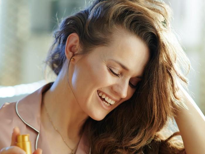 Manfaat minyak kemiri untuk rambut. Foto: Getty Images/iStockphoto/PicturePartners
