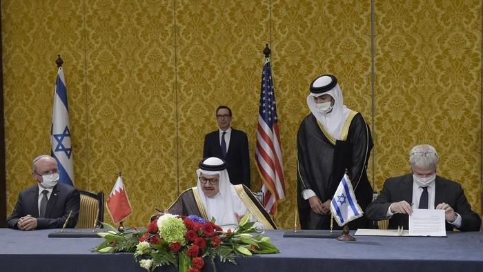 Israel dan Bahrain secara resmi menjalin hubungan dipolomatik. Kedua negara menjalin sejumlah kerja sama.