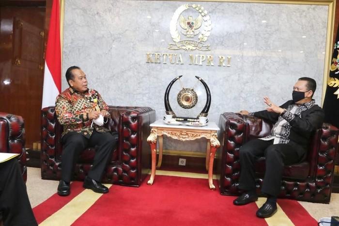 Ketua MPR RI Bambang Soesatyo menerima Rektor Unnes Fathur Rokhman dan Wakil Rektor UNNES, Senin (19/10/2020).