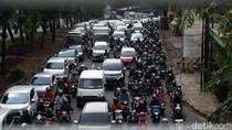 Macet Kembali Sapa Jakarta